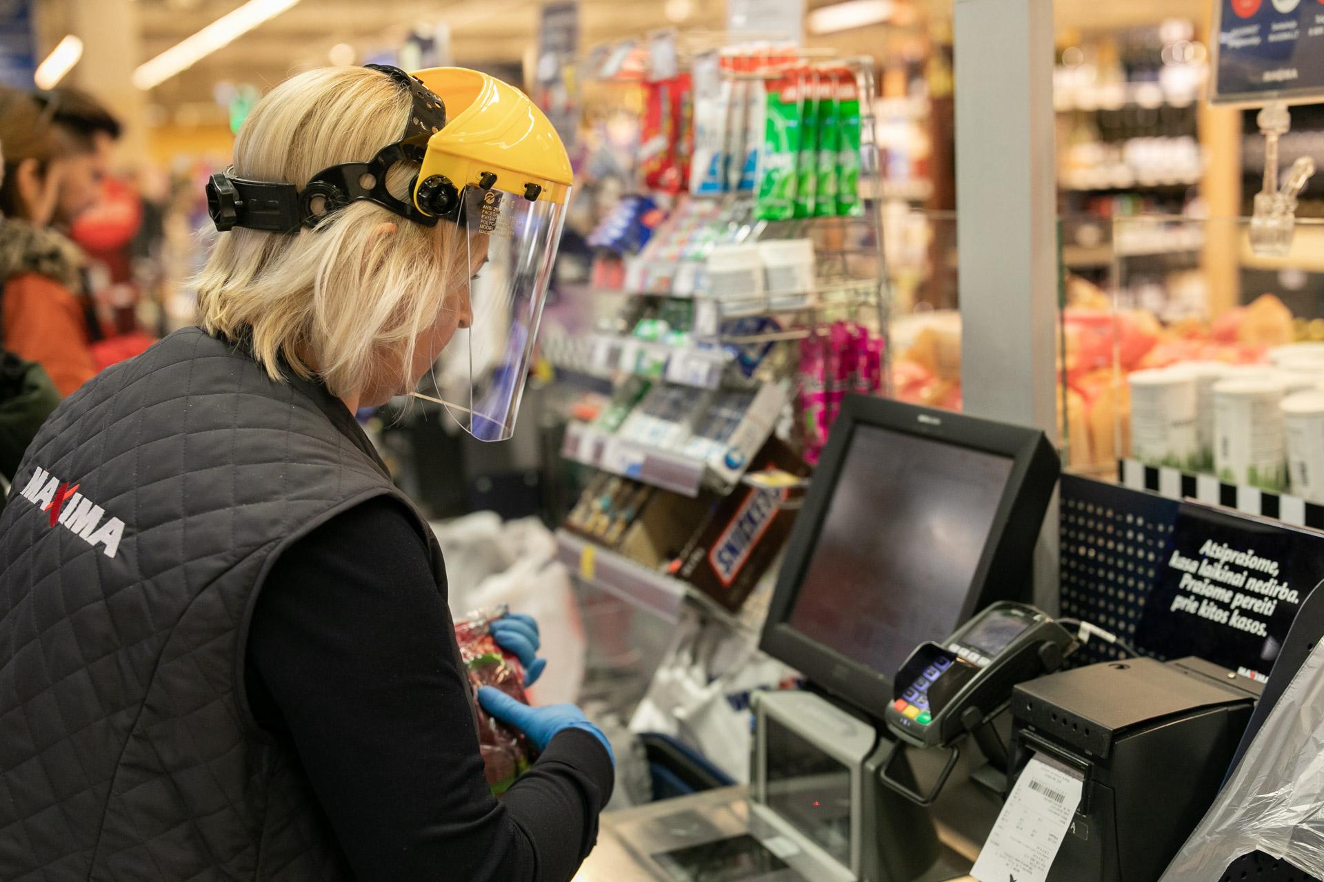 """Dėl karantino """"Rimi"""" keičia dalies parduotuvių darbo laiką"""